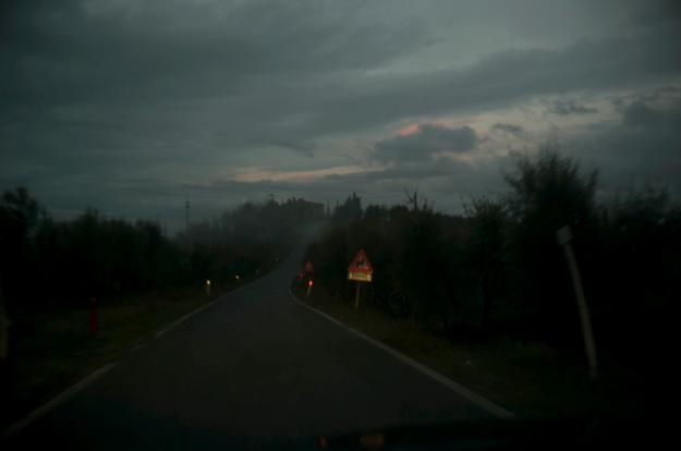 09-30 dusk road L1001436
