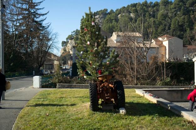 12-8 tree L1003300